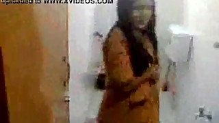 Indian wife bath and after sex with guy, Watch Indian Sexy - lovelypriya69