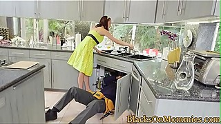 BBC craving housewife loves threeway