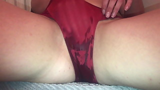 Fingers herself and squirts in panties