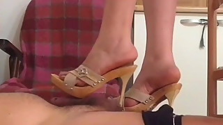 Donna Dora Italian wife Shoejob with wooden mules