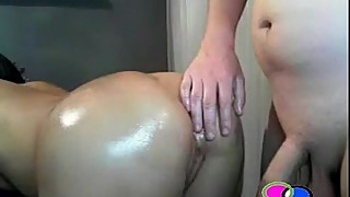 Guy Jerking Off at His Wifes Oily Ass - Chattercams.net