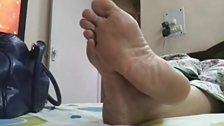 Candid Indian Wife crossedsole!