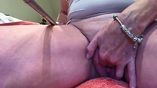 British MILF Squirting Hard