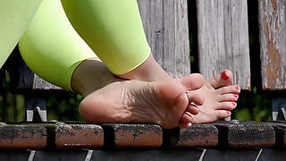 Feet 044 - Girlfriend's Sexy Soles Compilation