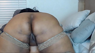 Ebony BBW housewife Josie with big booty for your pleasure