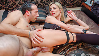 AMATEUR EURO - French Mature Cali Cruz Wakes Up Guy For Sex