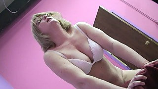 Housewife Has First Orgasm On Fuck Machine